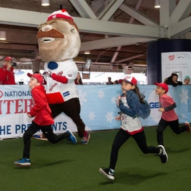 Children and Teddy of the Racing Presidents race. (Photo: Washington Nationals)