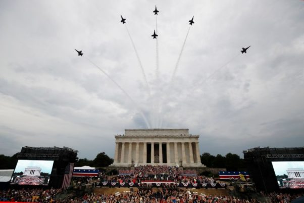 Jets fly over the Lincoln Memorial during 2019's Salute to America. (Photo: Alex Brandon/AP)