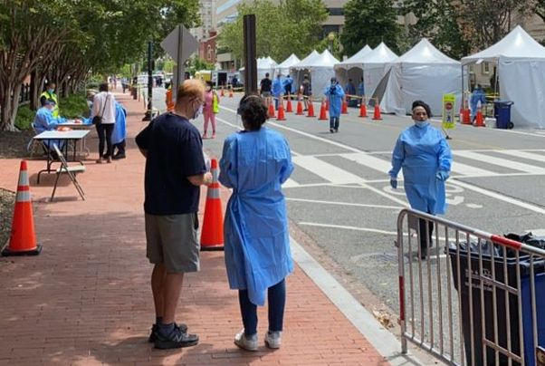 People at the Judiciary Square testing site. (Photo: PoPville)