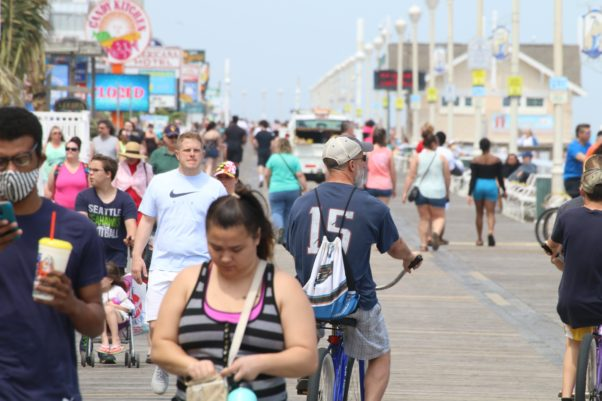 Crowds on the Ocean City boardwalk on May 15, 2020. Many don't have face coverings on and are not social distancing. (Photo: Phil Yacuboski/Twitter)